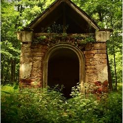 Eeuwenoud verstopt Kapelletje