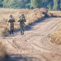 De paratroopers onderweg terug