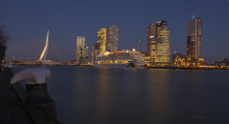 AIDA Prima  - Iedere week donderdag op vrijdag ligt dit prachtschip aan de cruiseterminal in Rotterdam. Eindelijk, eindelijk.... Eindelijk tijd en gel