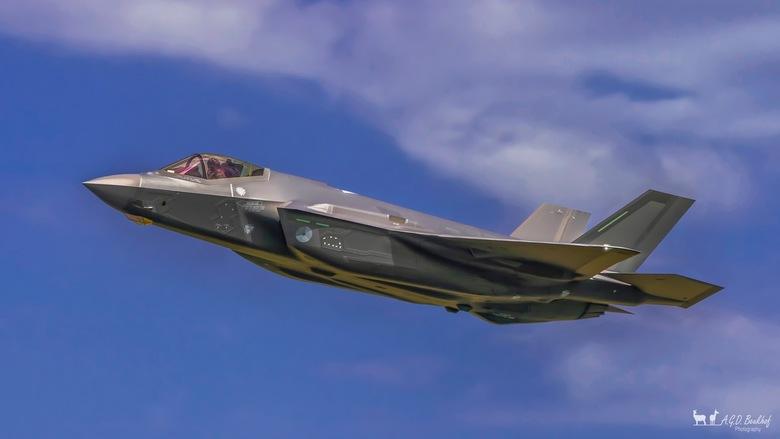 F-35 Lightning II - Bedankt voor de leuke en bemoedigende reacties en stemmen op mijn vorige foto`s.<br /> <br /> Fijne dag allemaal!<br /> <br />
