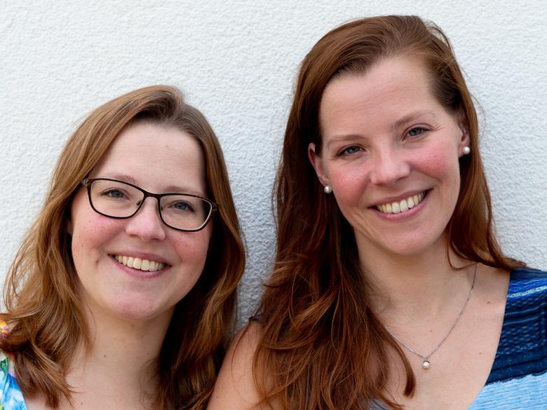 Eeneiige tweeling Tamara en Judith 2 - Nogmaals Tamara (links) en Judith