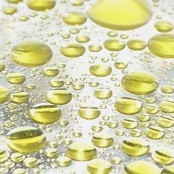 olie in een glas water