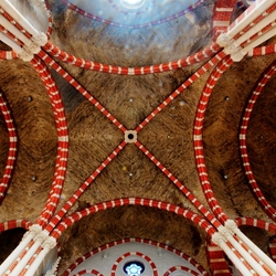 plafond kerkgebouw