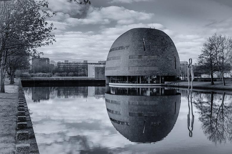 Zernikeborg -Campus Groningen UR - Een van de fraaie gebouwen op de Groninger campus.<br /> <br /> <br /> Allen bedankt voor de waarderingen op mij