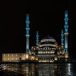 Kocatepe moskee in Ankara bij nacht