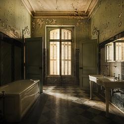 BathroomBorrus...jpg