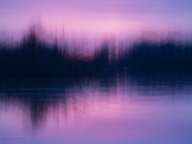 After sunset . . . . . - Een foto van een maand of 2 geleden, een prachtige zonsondergang aan de IJssel.....deze foto is gemaakt met meervoudige belic