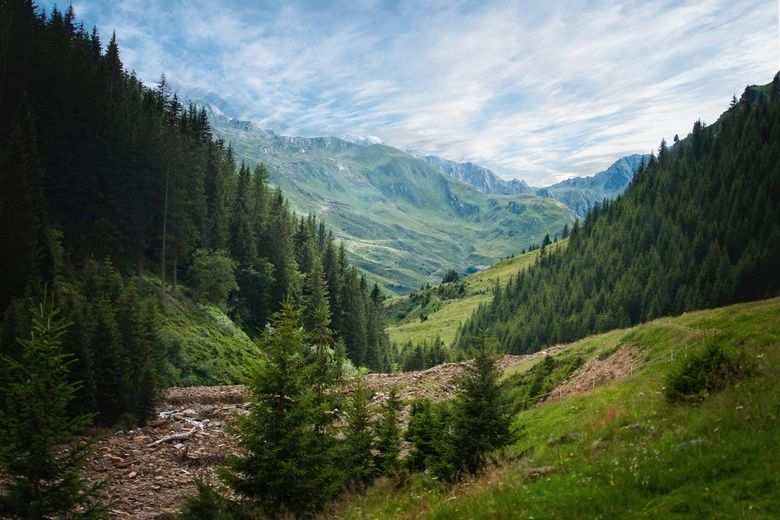 Alpine valley - Here a shot from our holiday on the Alps from 2016. It was just a normal day and the light conditions were just also quite normal. I s