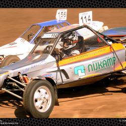 Close-up racing