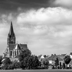 Landschap met kerk van Thorn.
