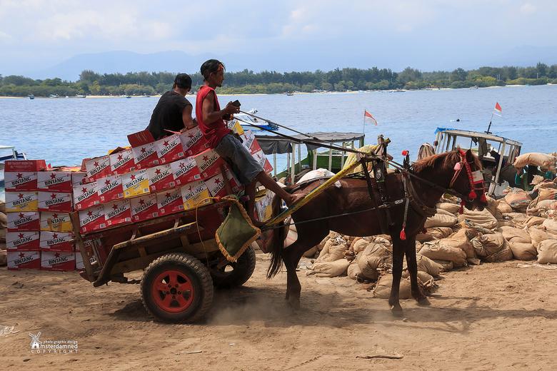 Indonesische Heinekenkoets - Over de amsterdamse grachten rijdt regelmatig de heineken koets .... op het indonesische eiland Gili Trawangan is de Bint