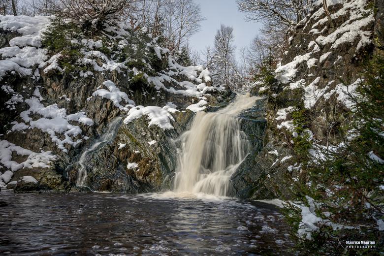 Cascade de Bayehon in de sneeuw / 28-02-2020 - Gisteren was het zover: eindelijk een dik pak sneeuw in de Ardennen... dus foto apparatuur ingeladen en