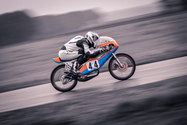 Classic Race Demonstratie Luttenbergring - Startnummer 44, Raymond Krabbenborg<br /> Motor: Yamaha RotonFS1<br /> Bouwjaar 1979<br /> Cilinder inh