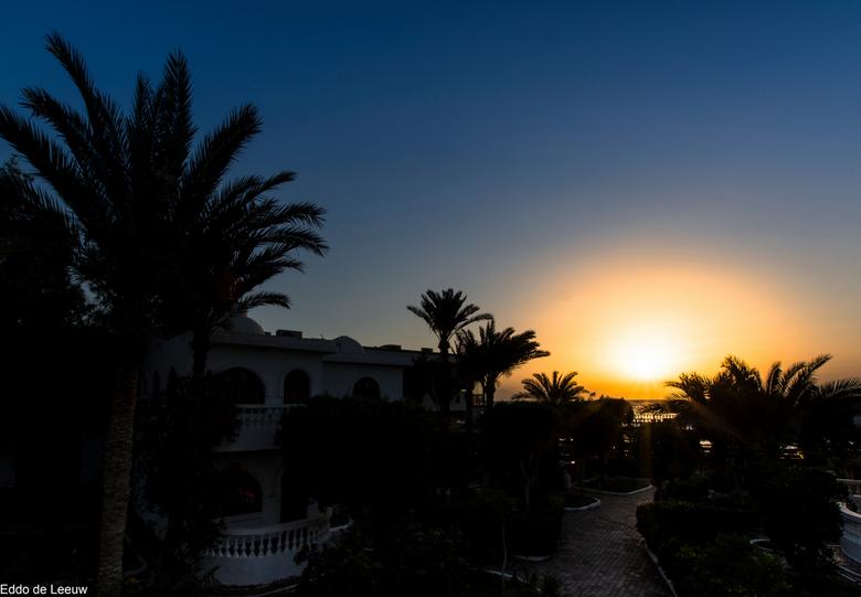 Dahab sunrise - zonsopgang in Dahab (Sinaï, Egypte) gezien van het balkon van onze hotelkamer, 3 april 2015.