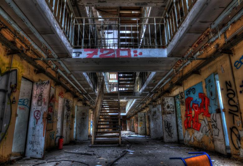 DSC00040_1_2_tonemapped - prison h15