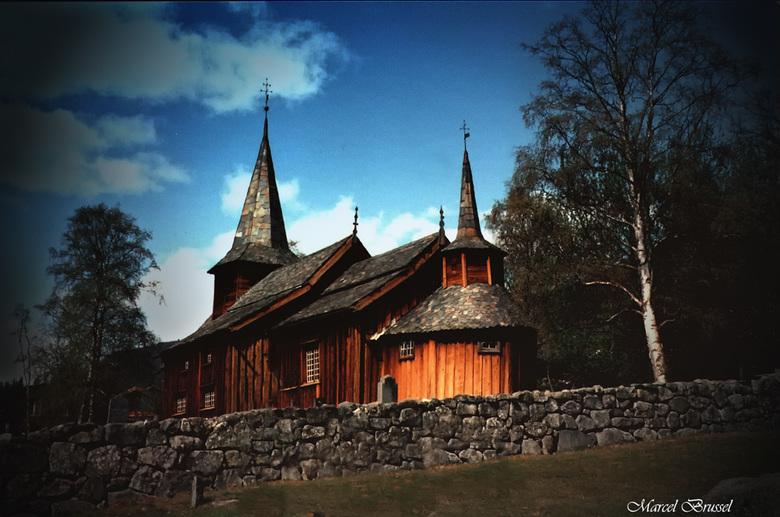 stavkirke lom - Deze analoge opname komt uit 1993 .Deze staafkerk stamt waarschijnlijk uit het jaar 1160.