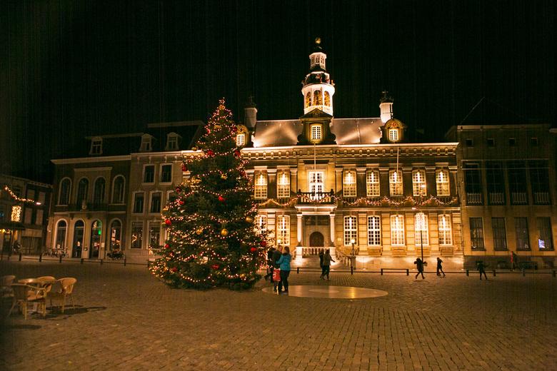 Roermond Stadhuis - Roermond stadhuis in kerstsfeer