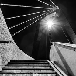Alles leidt naar het licht (Willemsbrug, Rotterdam)