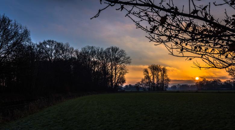 Foto's gemaakt in het Paradijsbos te Barneveld bij de mooie zonsopkomst vanmorgen vrijdag 29/12.  - Foto's gemaakt in het Paradijsbos te Barneveld bij
