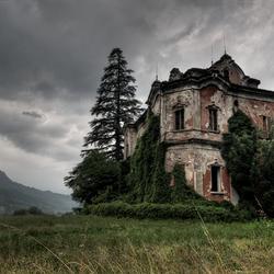 Villa V.