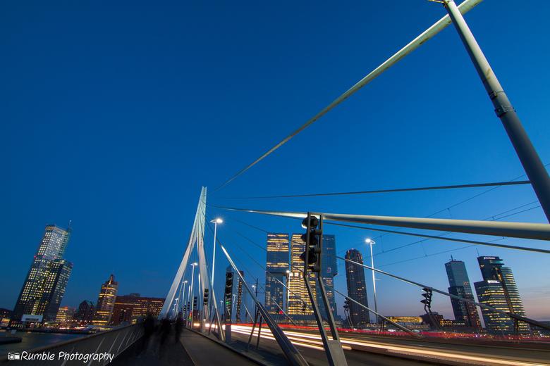 Erasmusbrug, Rotterdam - Geen brug te ver in Rotterdam.