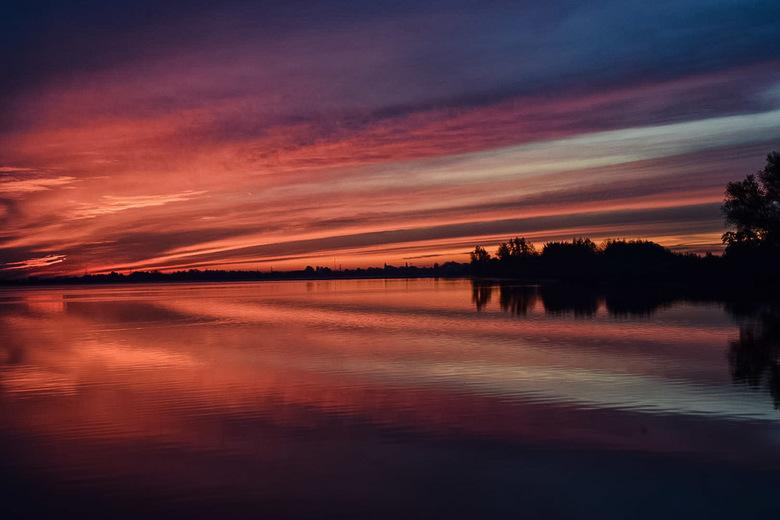 Good morning Holland  - Vanmorgen nog net even de zonsopkomst meegepakt het was zo heerlijk rustig buiten genieten .
