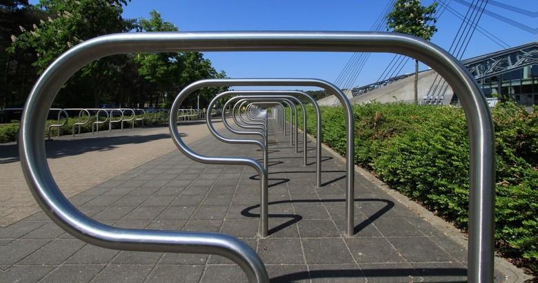 Fietsloze zondag - Fietsenrek op zondag te Lommel.<br /> Is een onderdeel van sportpark Soeverein