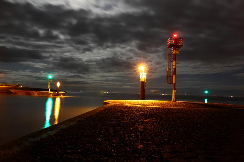 Veerhaven Texel - Schilderachtig door het maanlicht.