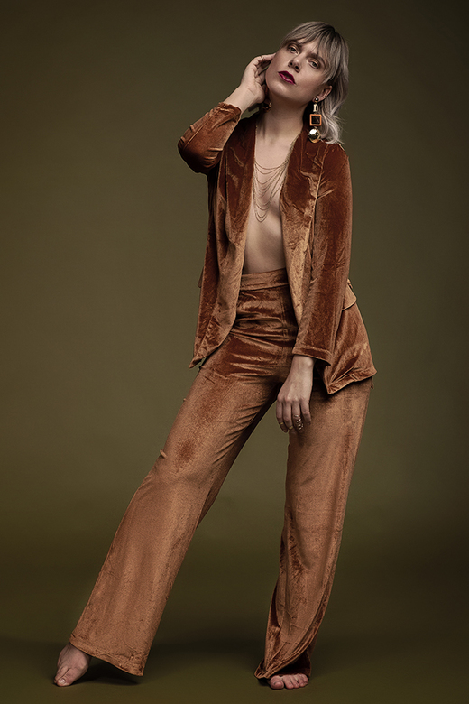 Velvet Autumn  - Model: Chloë de Witte<br /> Hair &amp; Make-up: Bruce Rademakers<br /> Styling: Jasmien Wederfoort<br /> Photography: Daniëlle Pee