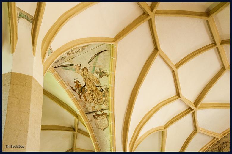 gewelffresco 1605096100Rmw - netgewelf in laatgothische kerk Roemenie