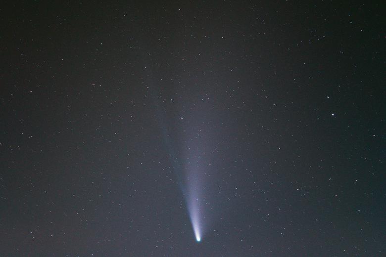 Neowise x - Afgelopen nacht nog maar eens een poging gedaan om de komeet te vangen.<br /> Ditmaal met een Natural Night filter van NISI - in een pogi