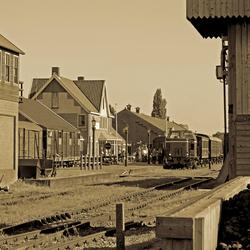 Station Stadskanaal in sepia