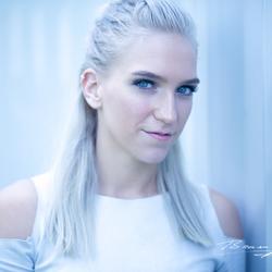 Model: Janneke van Eijk