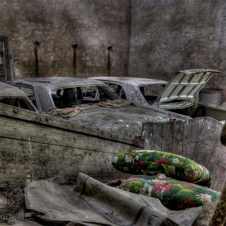 de kussens voor de achterbank zijn al klaar... nu de rest nog - autowrakken in Belgie