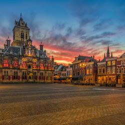 De Markt in Delft ...