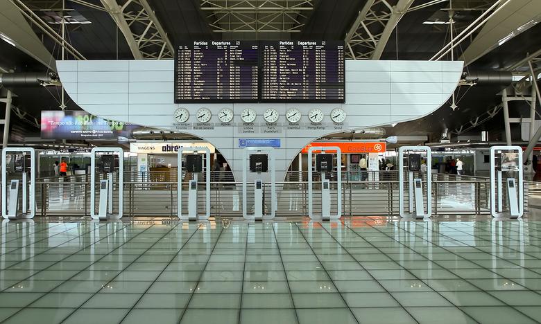 Aeroporto di Oporto 9 - *