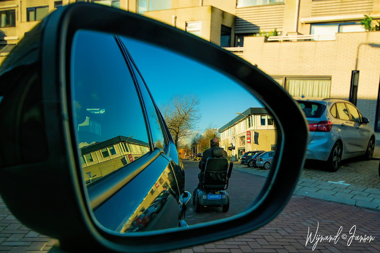 Mobility viewed through the mirror -