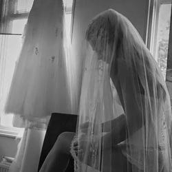Omkleden van een bruidje