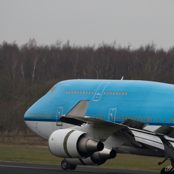 747 PH-BFR landing twente