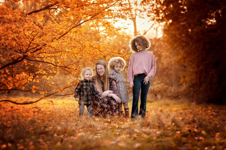 Autumn Family - Met Astrid en haar kinderen een fijne fotosessie gehad in de buitenlucht. Haar super stoere kinderen konden wel tegen een beetje kou.