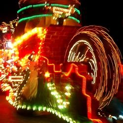 Verlichte carnavalswagen