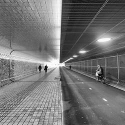 Fiets/wandeltunnel onder station Amsterdam