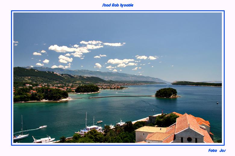 Stad Rap Kroatie - De prachtige stad Rap met heel veel oudheden uit de Romeinse tijd ligt op het eiland Rab. Een van de vele eilanden voor de Kratisch
