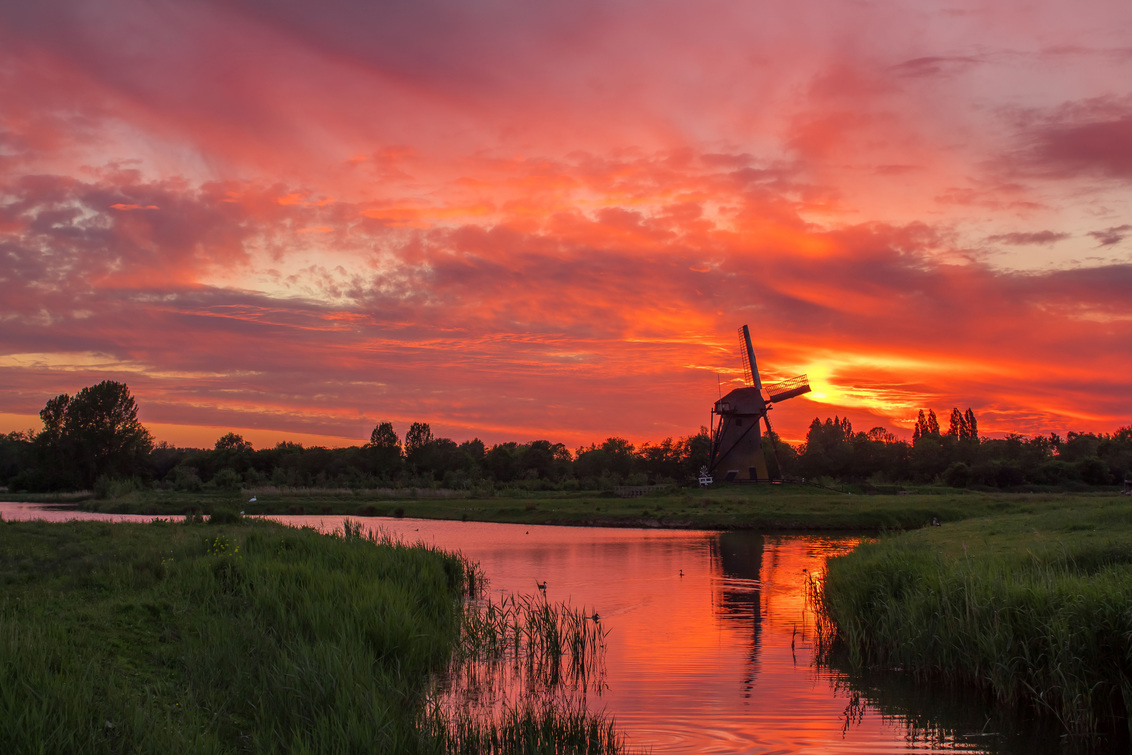 Zonsondergang Pendrechtse molen