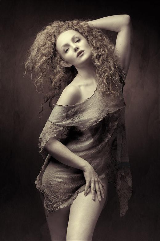 Ivory Flame posing -