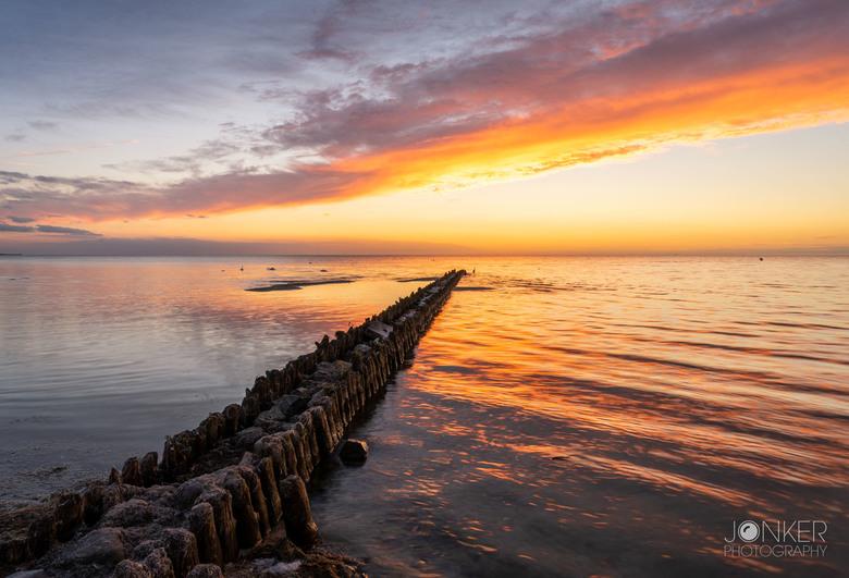Sunset vibes - Het mooie Hindeloopen, net na zonsondergang