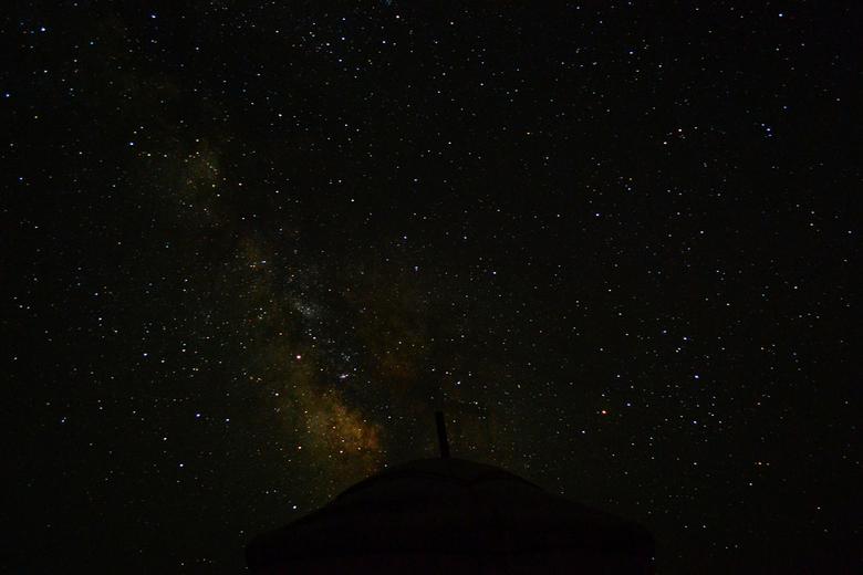 Melkweg - Overnachting bij een nomaden familie in Mongolië. 'S nachts een prachtig zicht op de Melkweg.