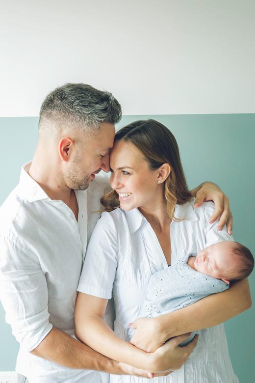"""Familiefoto - Mijn schoonzus met haar gezinnetje, wat een schatje! <img  src=""""/images/smileys/smile.png""""/>"""