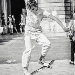 straatfotografie-jongen-met-skateboard