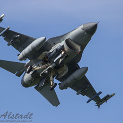 RNLAF F-16